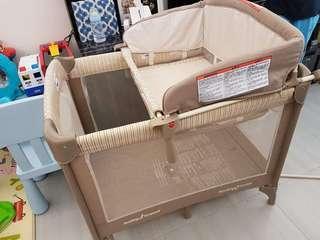 美國名牌 Baby Trend 嬰兒摺疊網床~$400