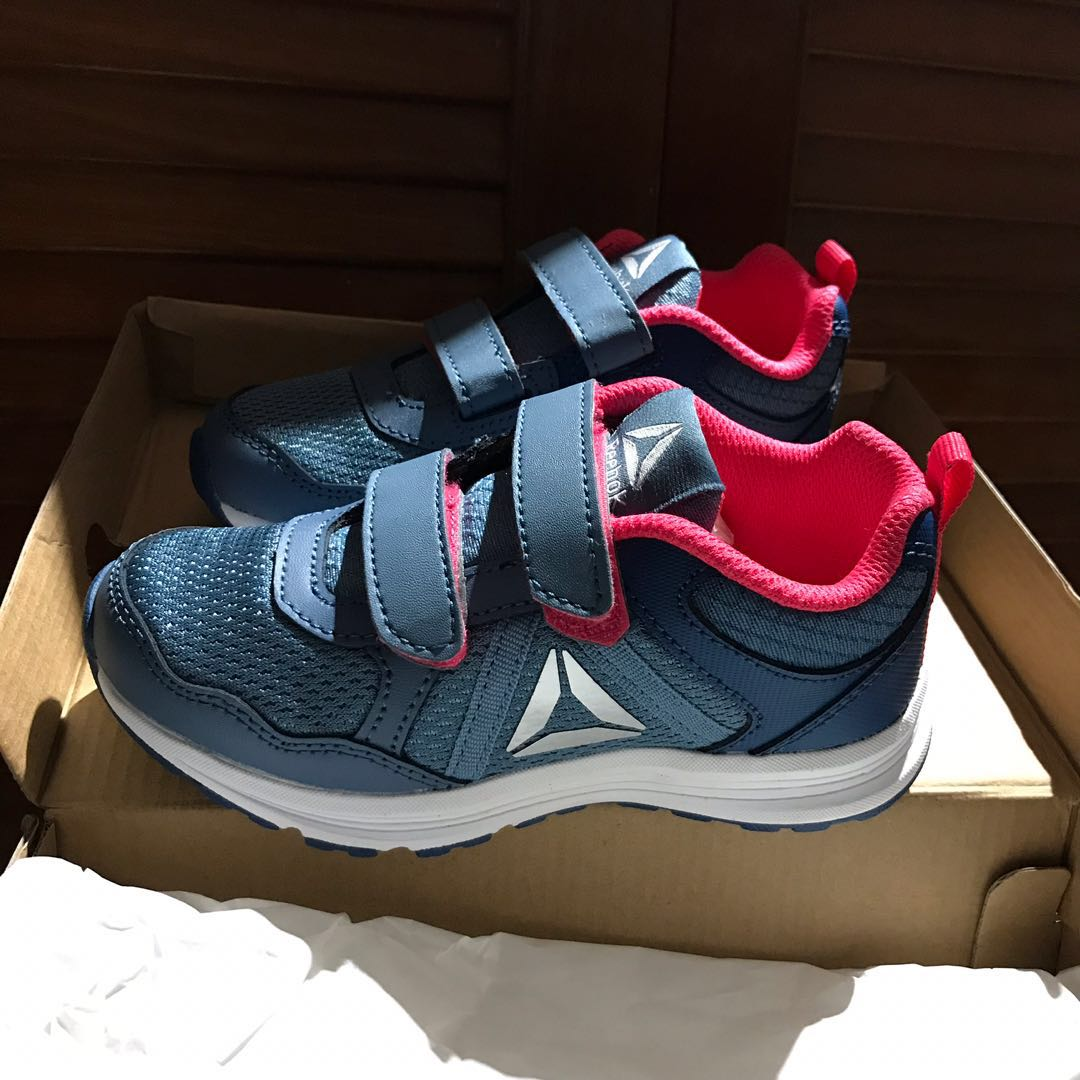 a7171cac5c692b FREE NMAIL! Reebok sneaker running shoes kids Almotio 4.0