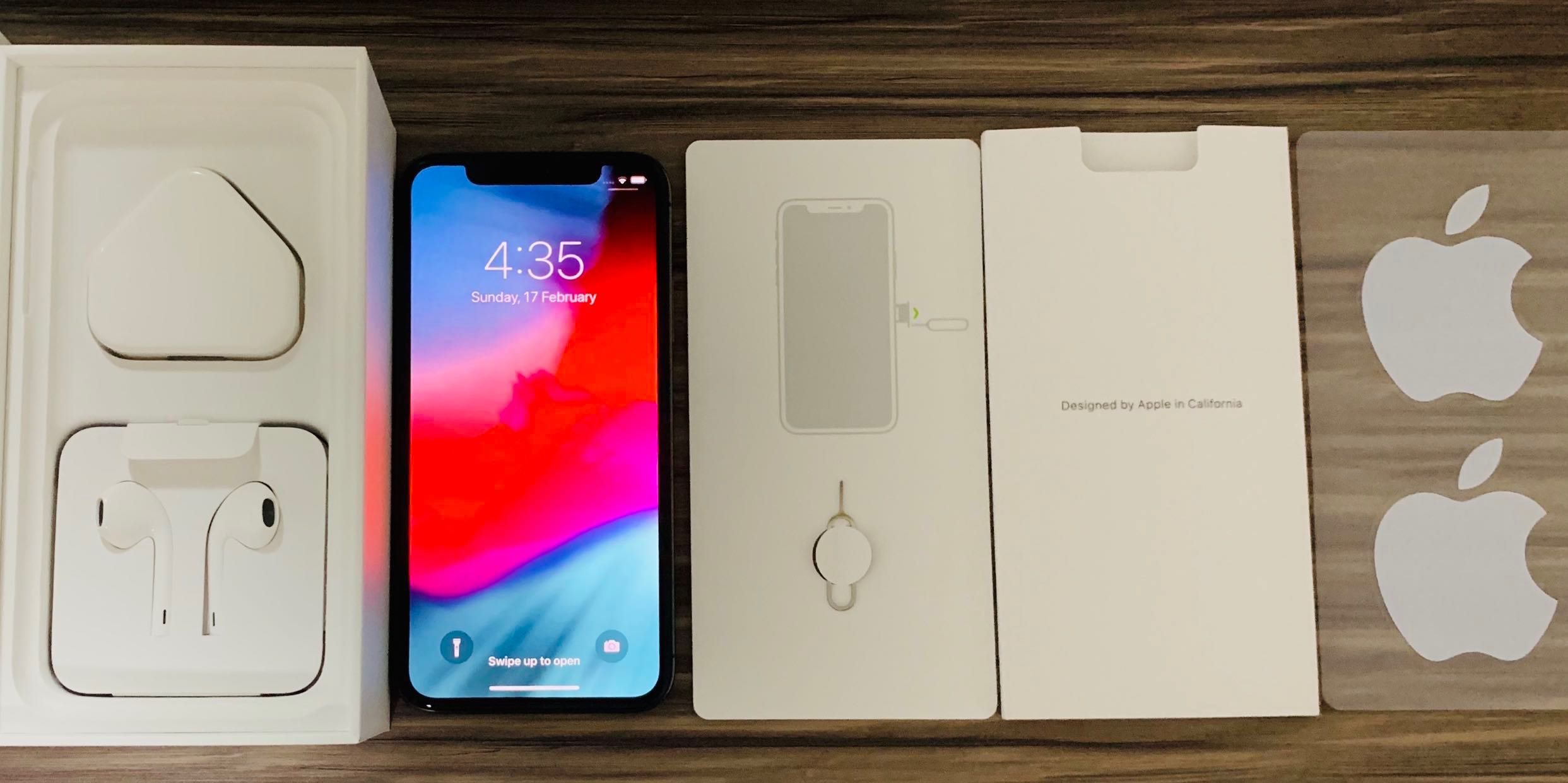 online retailer 21301 daf81 iPhone X Space Gray, all the original accessories and box