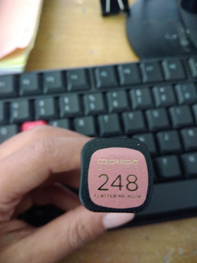 Lipstik Loreal color riche no 248