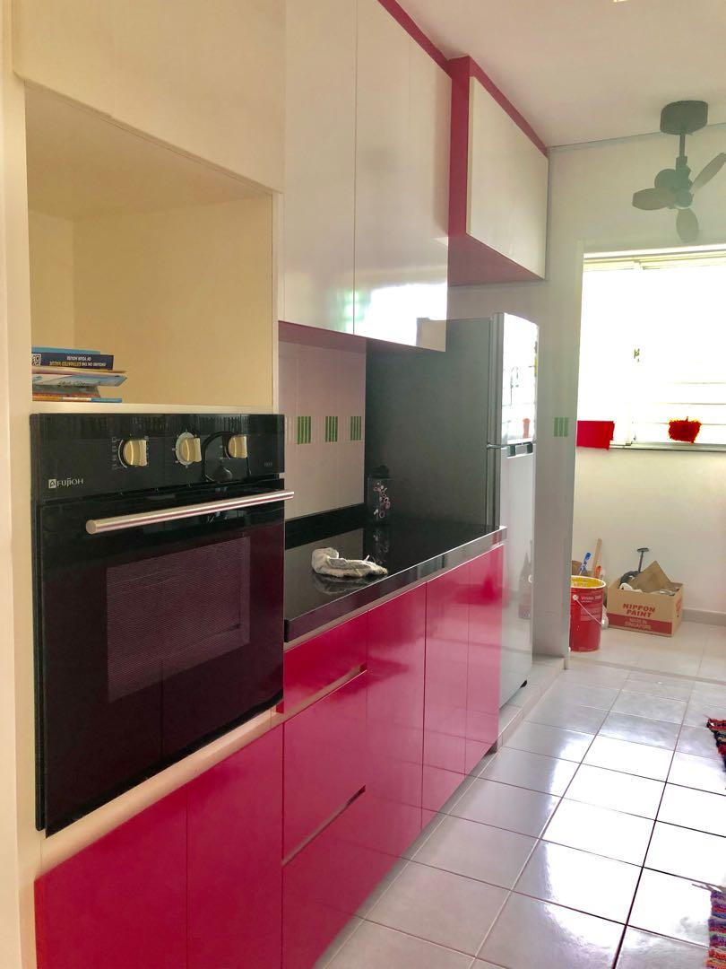 Masterbedroom or Common Bedroom Available beside Sengkang Hospital and near MRT! NO OWNER STAYING!