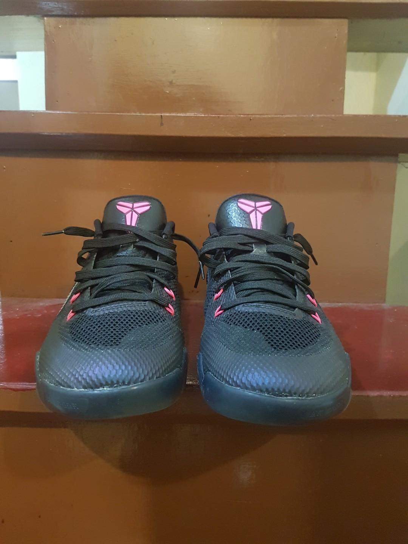 673b807d1375 Nike Kobe 11 em
