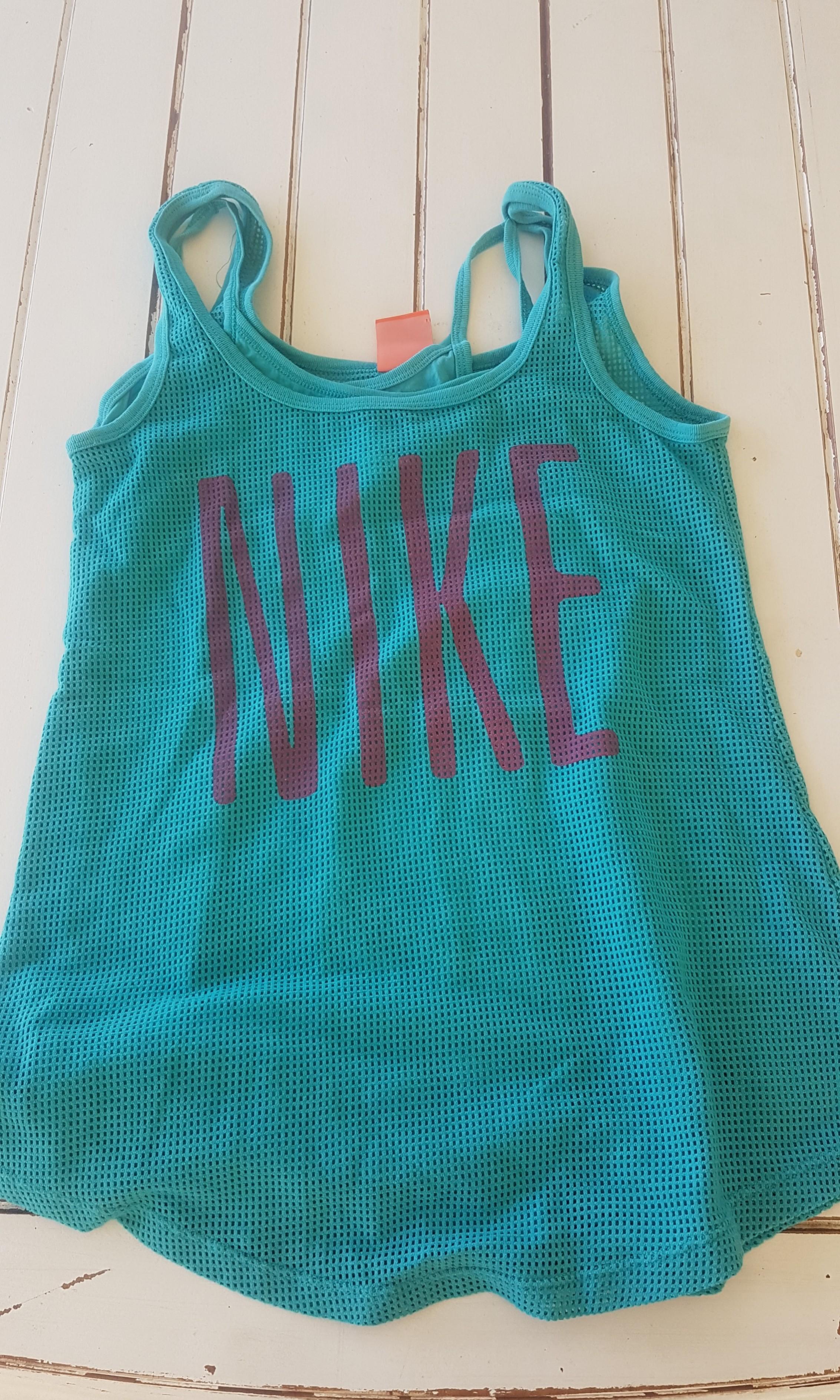 Nike singlet size M