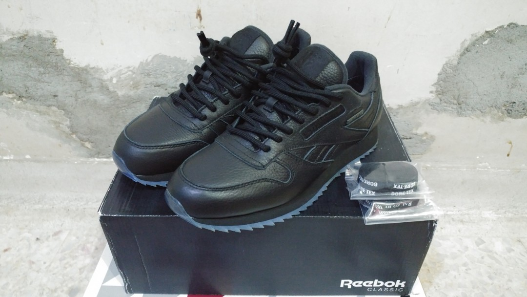 good arrives low cost Reebok Classic Leather x Raised By Wolves x Gore-tex