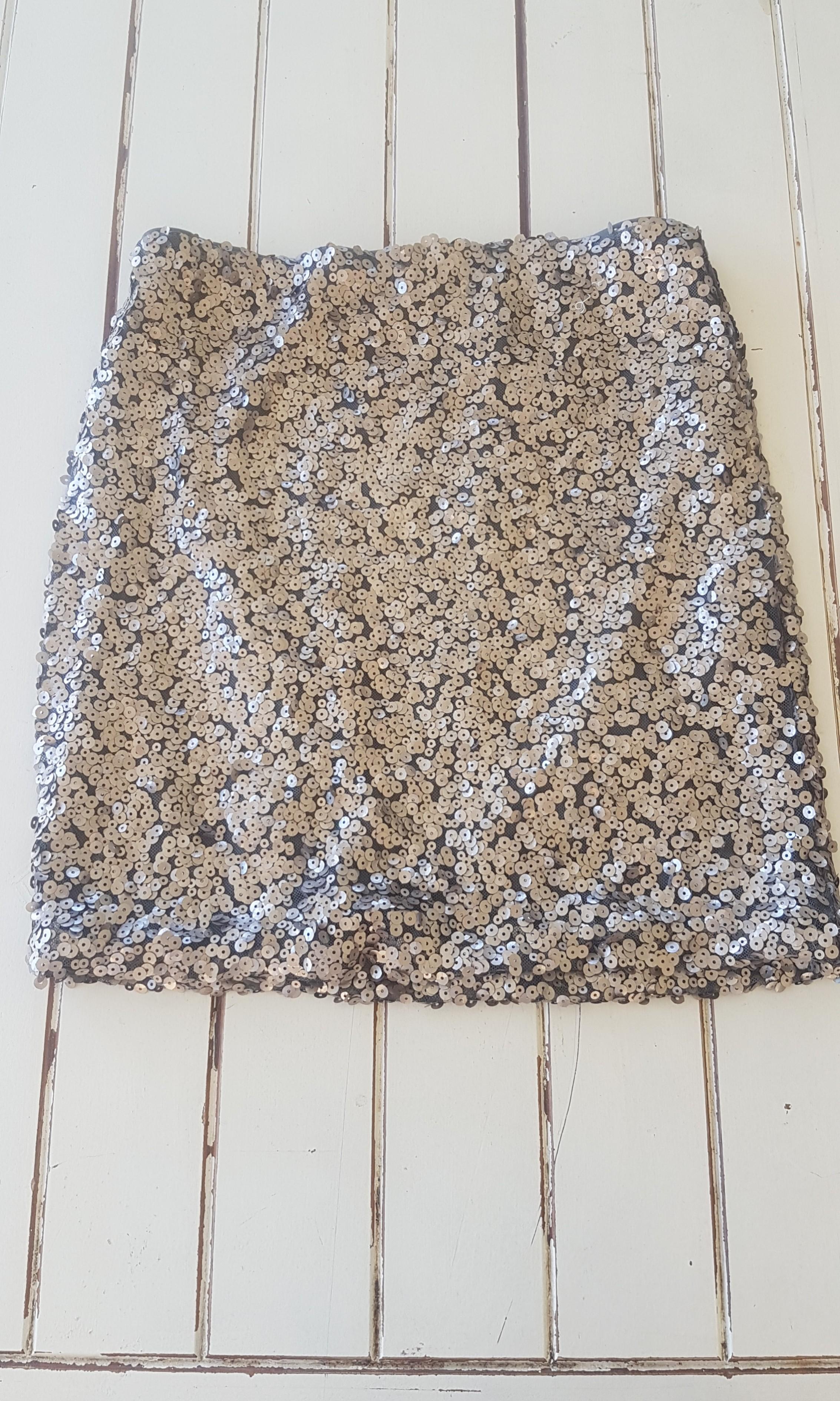 Silver sequin skirt sz 10