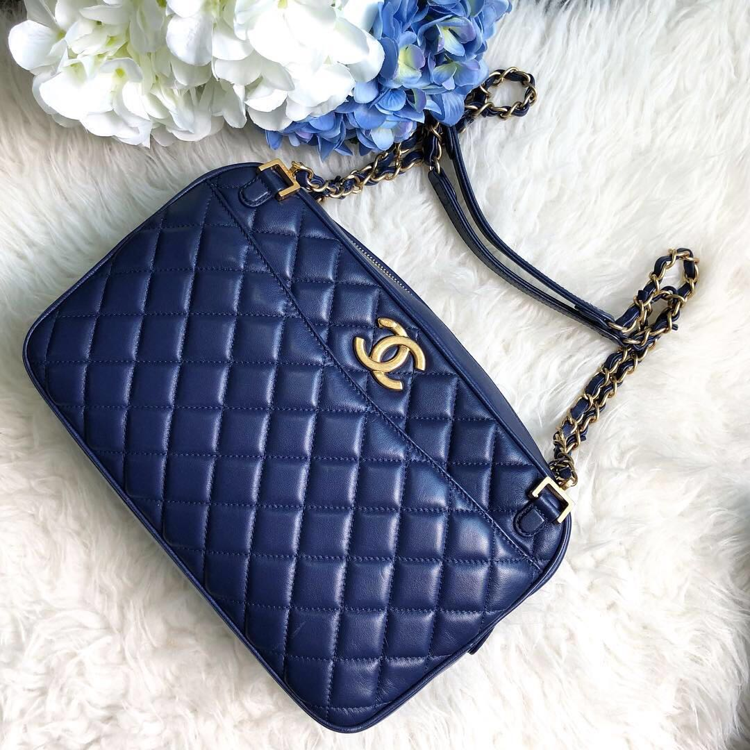 3b924d46ee55 ❌SOLD!❌ Superb Deal! Chanel Medium size (28cm) Camera Bag in Blue ...
