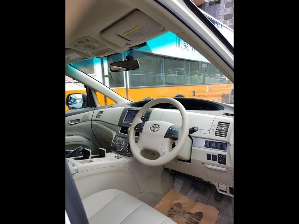 Toyota ESTIMA HYBRID AERA S