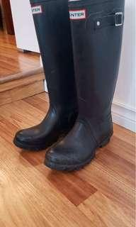 Hunter boots black size 6