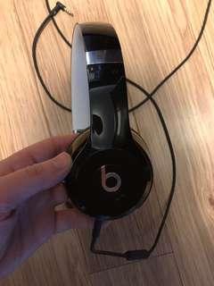 Beats Solo 2 on ear headphones black-EUC