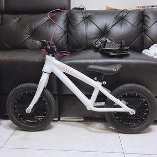 bixbi 白色 滑步車 競速車