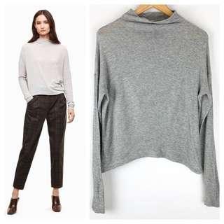 Aritzia Wilfred Light Sweater