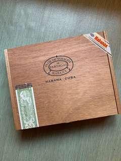 🚚 Cigar box
