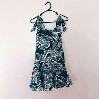 Saints and secrets tie up fern dress