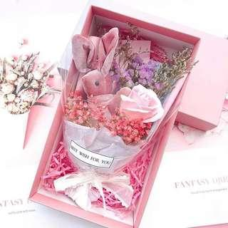 🚚 💐Korea Ins Romantic Preserved Flower with gift box, greeting card & paper bag free   roses   불멸의 꽃   baby breath🌷