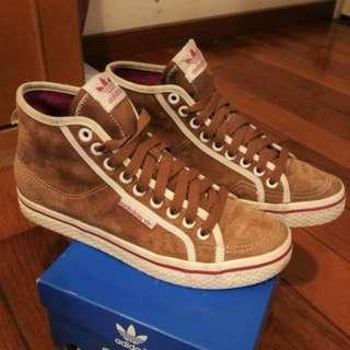 🚚 ADIDAS HONEY MID蜜糖棕麂皮中筒鞋(38-39)