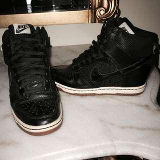 NIKE Women's Dunk Sky Hi Sneakers Black Leather