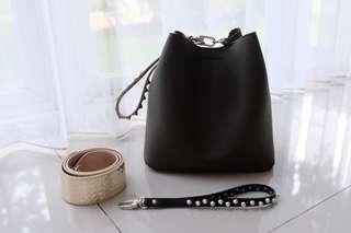 New - Find Kapoor Pingo Bag 20 New Khaki (Free 1 Handstrap)