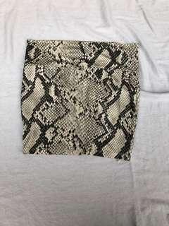 Faux leopard mini skirt