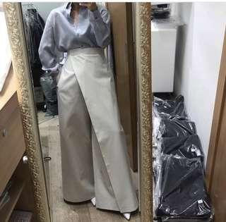 Looking for these pants