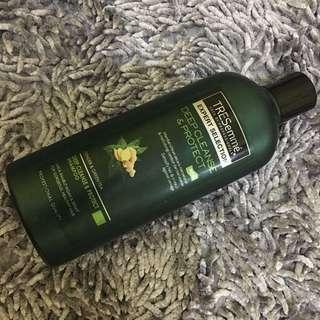 TRESEMME EXPERT COLLECTION SHAMPOO (Deep Cleanse & Protect / Ginger & Greentea)