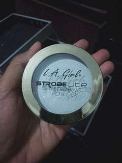 Strobing powder L.A. Girl
