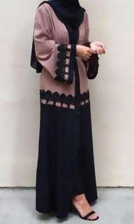 Button Abaya