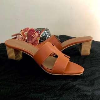 Hermes Wedges