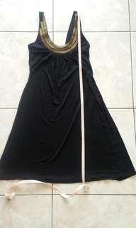 Baju terusan hitam merk arithalia ukuran S
