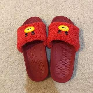 100% OFFICIAL BT21 TATA SLIPPERS