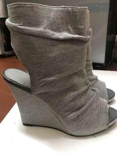 Vincci Grey Boot wedges