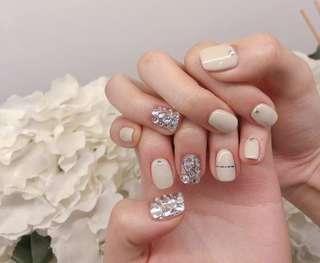 🚚 Manicure pedicure