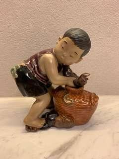 Ceramic display figures