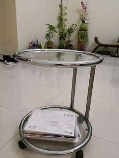 🚚 Round side table
