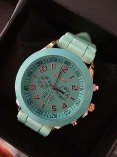 Watch unisex green colour