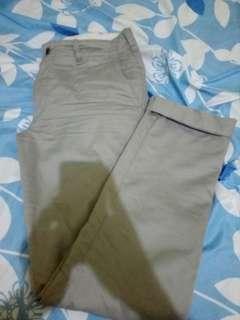 Chinos / celana bahan uniqlo grey/silver 31 fit 32