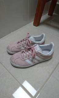 Adidas gazelles in a sweet baby pink size AU 5