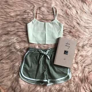 NEW ‼️ tie back crop top & shorts ~ setelan atasan putih dan celana abu-abu