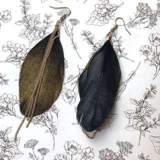 Anting Daun Gold / Gold Feather Earrings