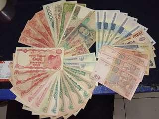 uang indonwsia dan asing total 40 lebar campur