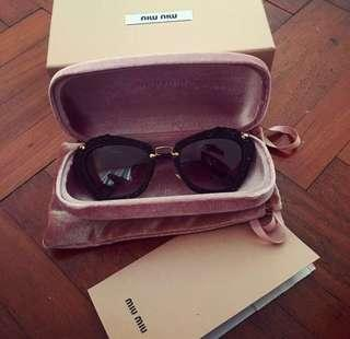 🚚 Miu Miu sunglasses