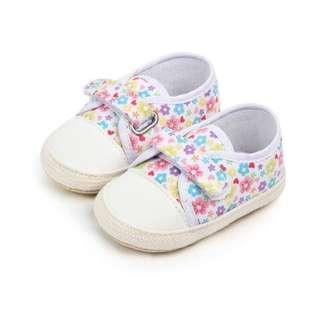 🚚 🌟PM for price🌟 🍀Baby Girl Colorful Floral Non Slip Soft Sole Shoes🍀