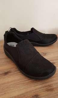 Clark's cloudstepper woman shoe