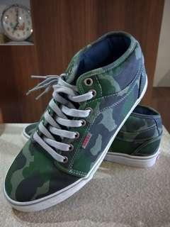 b669db3c0ce7c5 Vans Half Cab Shoes