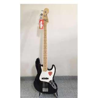 Fender American Special Jazz Bass Maple Neck w Bag Like New!