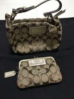 🚚 Authentic Coach hand carry bag n coin card purse