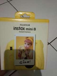 Instax Mini 8 masih mulus bgt  di jual murah bgt dibanding yg lain. Siap cod lokasi buaran stasiun