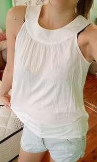 Cute white top with ring neck