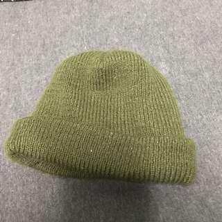🚚 軍綠 素色短毛帽