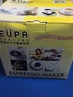 🚚 高壓蒸氣式電咖啡機