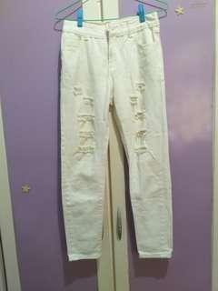 🚚 白色刷破牛仔褲